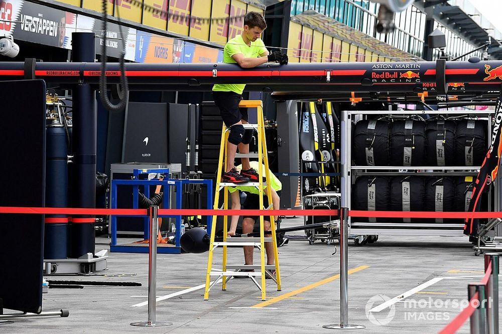 Formula 1 shutdown period extended again