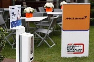 Команду McLaren на две недели поместили на карантин