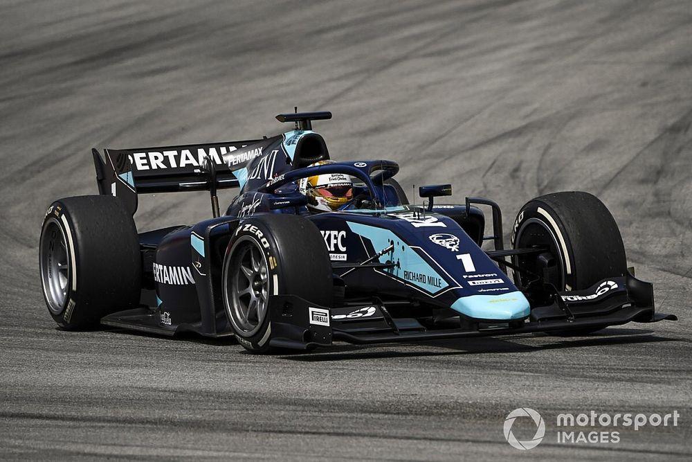 ゲラエル、胸椎骨折でF2バルセロナ戦レース2を欠場。レース1での縁石との衝突が原因