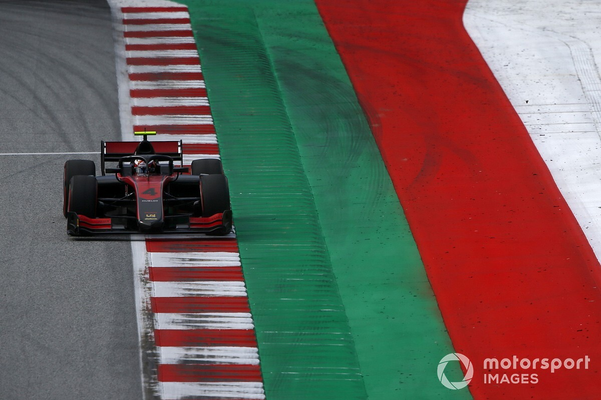 Red Bull Ring F2: Ilott wins opener after heartbreak for Zhou