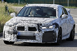 Honda Civic Type R, le foto spia di una versione elettrica