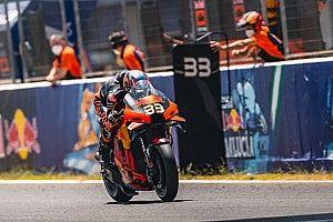 El prometedor debut de Binder en MotoGP no encuentra premio