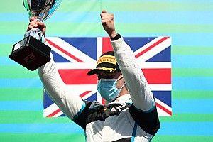Hughes wraca do F3