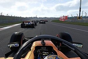 """Verstappen és Norris ütközik, majd """"versenybírónak áll"""" (videó)"""