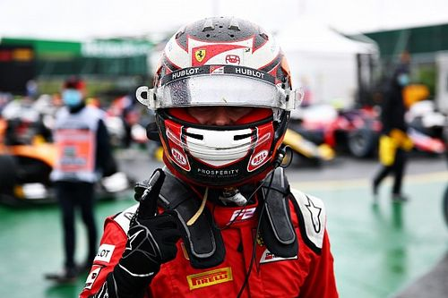 Hungría F2: Ilott logra la pole en una caótica sesión en mojado