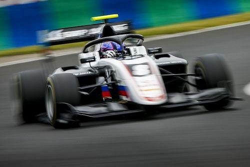 Смоляр впервые стартовал с поула в гонке Ф3. Его выбили в первом повороте
