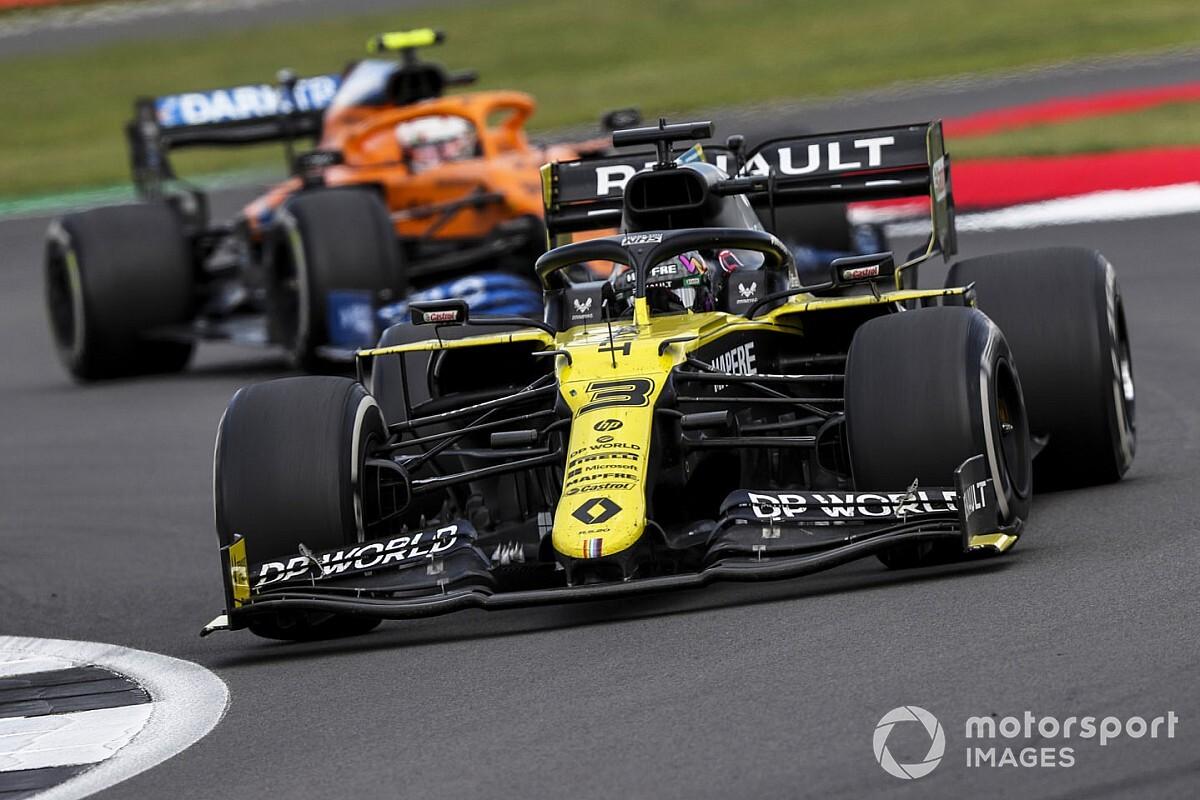 Ricciardo przewiduje dwa postoje