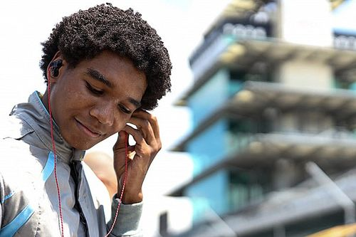Rowe Bawa Bendera Force Indy di USF2000 2021