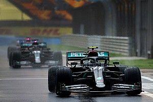 A volt Forma-1-es pilótát sokkolta, hogy Hamilton fél kézzel is le tudta körözni Bottast