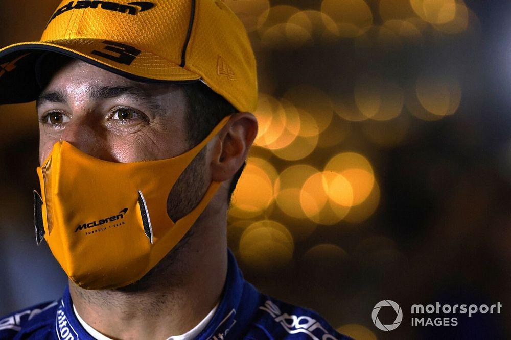 F1: Ricciardo concretiza aposta com chefe da McLaren em caso de pódio