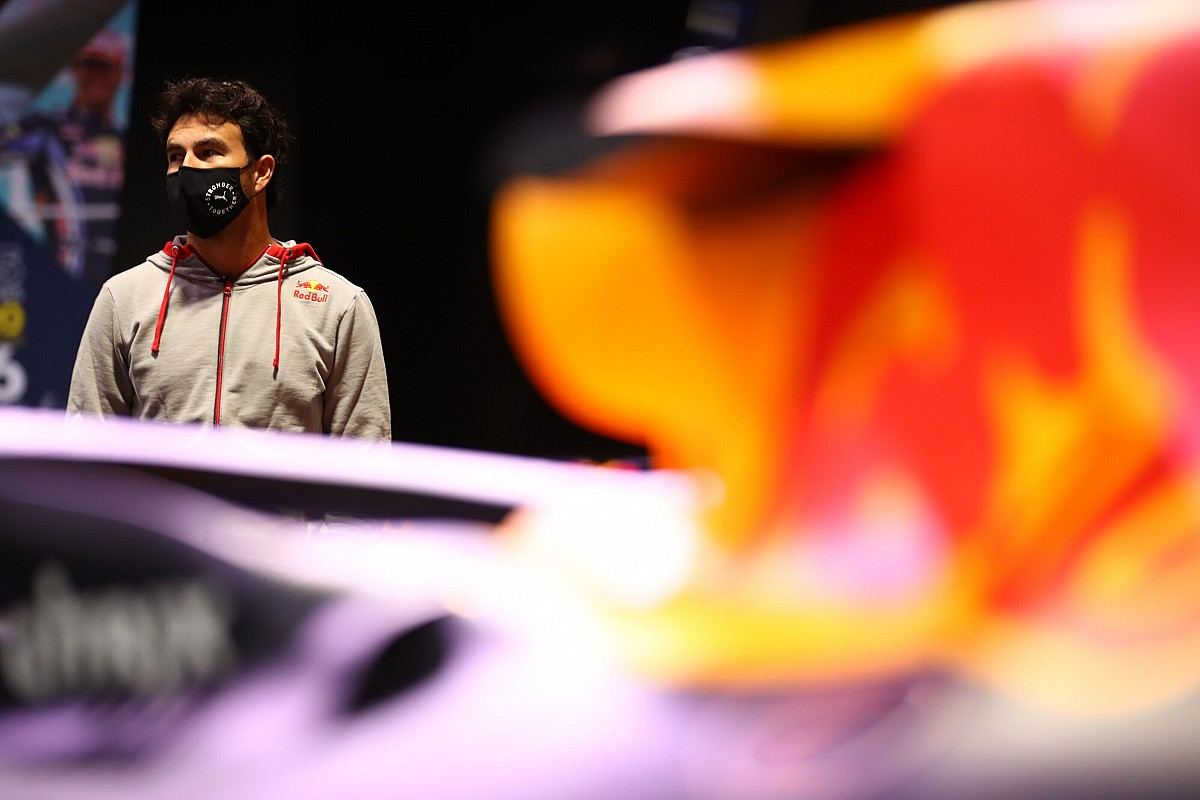 """Perez: """"Red Bull'un başarısının nedeni çok açık"""""""