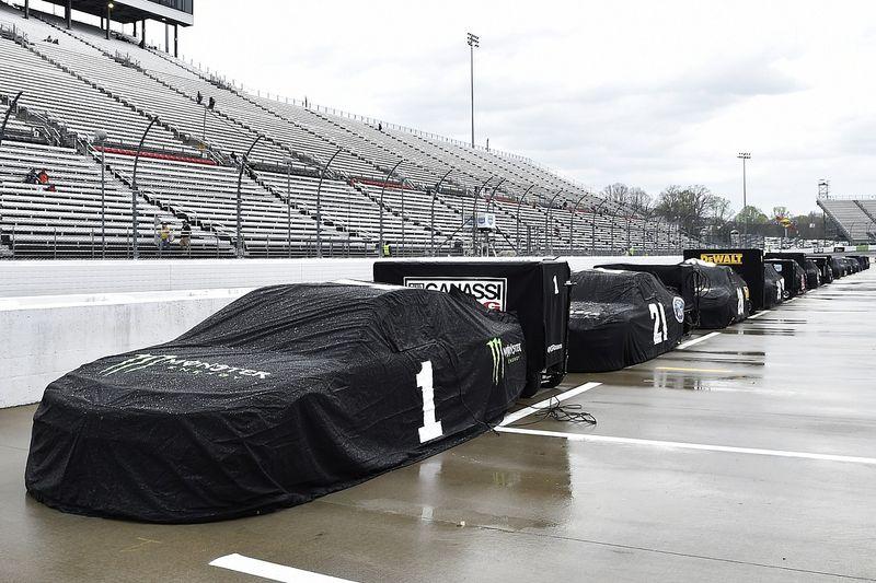 La lluvia obliga a posponer el NASCAR en Martinsville