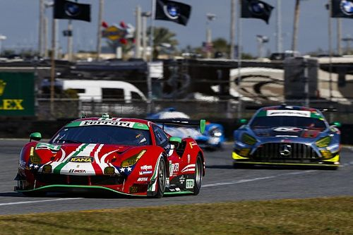 Daytona, 18a Ora: ruggito Ferrari in GTD, DPi ai ferri corti