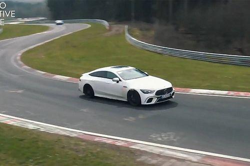 Driftelés közben tölti magát újra a Mercedes-AMG új hibrid rendszere