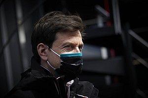 """F1- Chefe da Red Bull detona Wolff: """"Deveria olhar para o seu próprio negócio""""; entenda polêmica"""