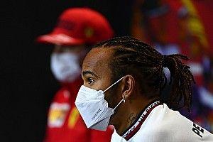 Hamilton a 2022-es terve miatt tesztelt a Pirellikkel