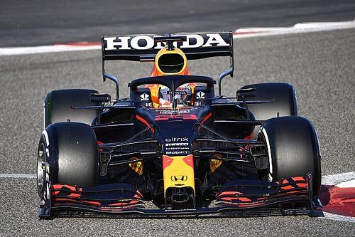 """Verstappen: """"Mercedes zegt het niet, maar zit echt heel dichtbij"""""""