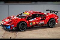 La Ferrari 488 GTE diventa un modellino Lego