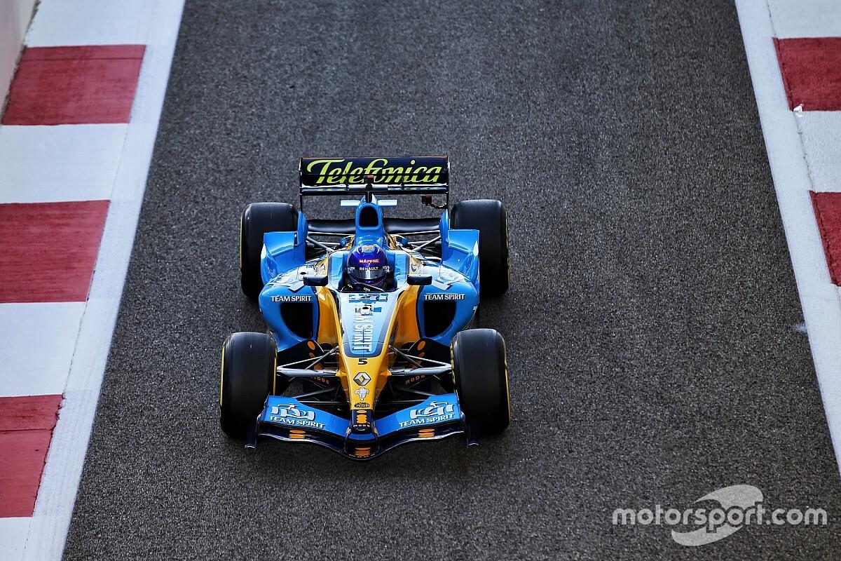 Los vídeos de locura de Fernando Alonso en el R25 V10