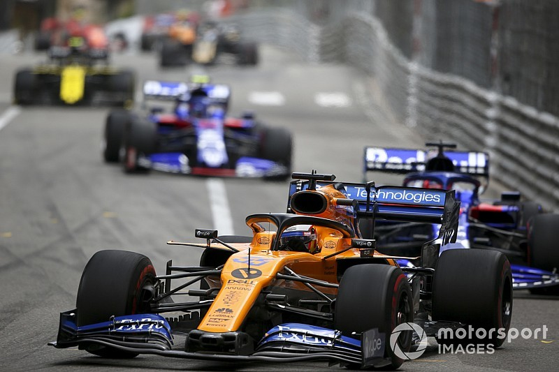 «Один из моих лучших стартов». Сайнс объехал две Toro Rosso в одном повороте