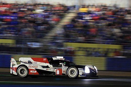 24 uur Le Mans: Toyota's wisselen elkaar af, zware crash Corvette