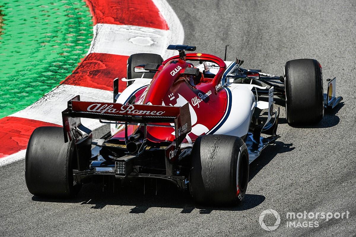 Junior Ferrari pojeździ Alfą Romeo