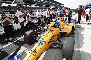"""McLaren explique l'effet """"boule de neige"""" qui l'a éliminé d'Indy"""