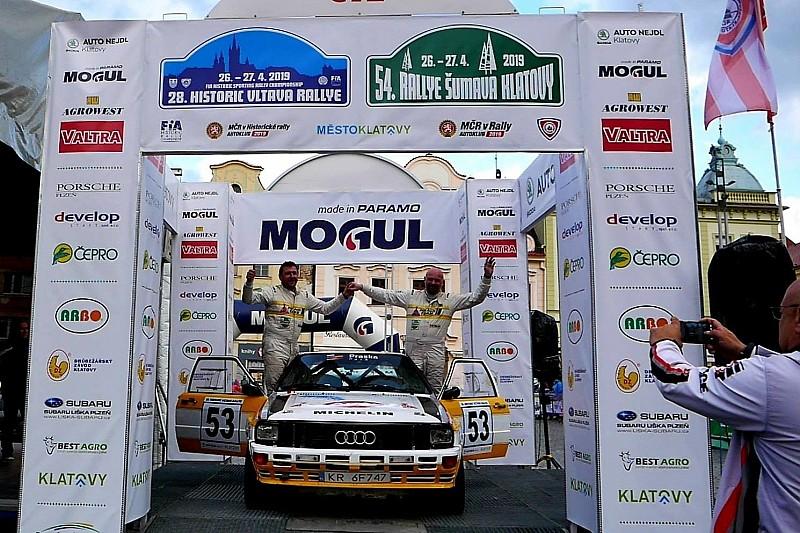 Olchawski i Wroński na mecie Historic Vltava Rallye