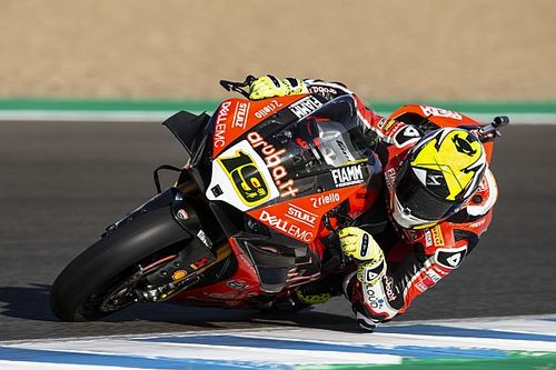 Jerez WSBK: Bautista rahat kazandı, son viraj kazasında podyum renk değiştirdi!