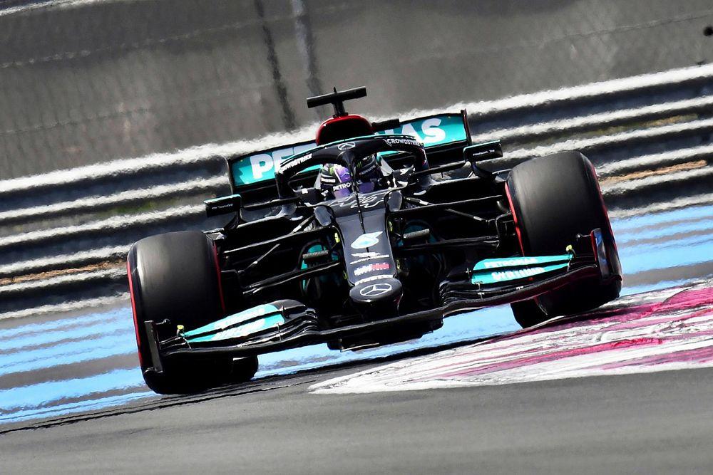 Hamilton: A Red Bull előrébb lépett az F1-es világbajnoki harcban