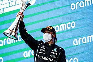 """Hamilton dankt team na tactische zege: """"Het was een goede gok"""""""