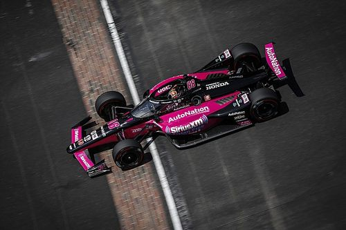 Indy 500: Castroneves tops practice, three last-chancers run