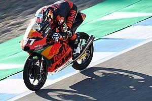 Jerez Moto3: Acosta chalks up third successive win in chaotic race