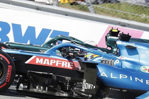 Vettel penalizzato di tre posizioni, Sainz sale al decimo posto