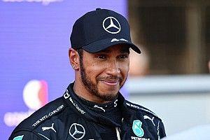 """F1: Hamilton diz que """"não esperava me divertir tanto"""" em 2021"""