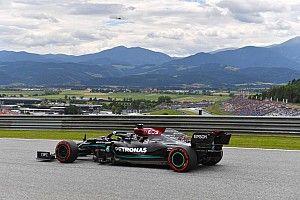 Los Mercedes lideran una FP2 con lluvia en Austria; Alonso, top 10