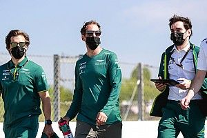 Vettel: Egyszerűen nem elég gyors a kocsink…