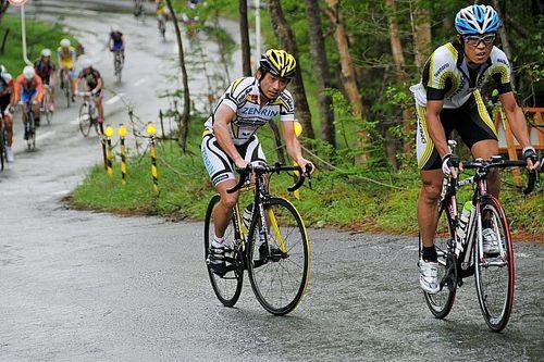 今や欠かせない? レーシングドライバー/ライダーが、自転車でトレーニングをする理由