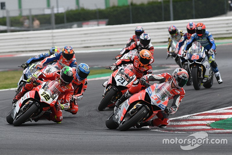 Fotogallery: la Race of Champions della World Ducati Week con le Panigale V4