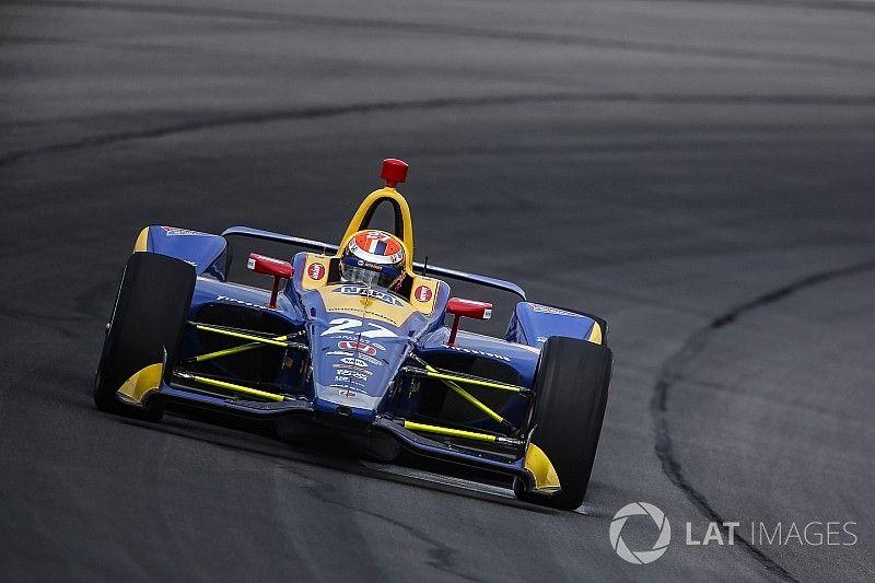 Rossi gana en Pocono y aprieta el campeonato