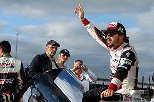 Toyota trabaja para renovar a Alonso