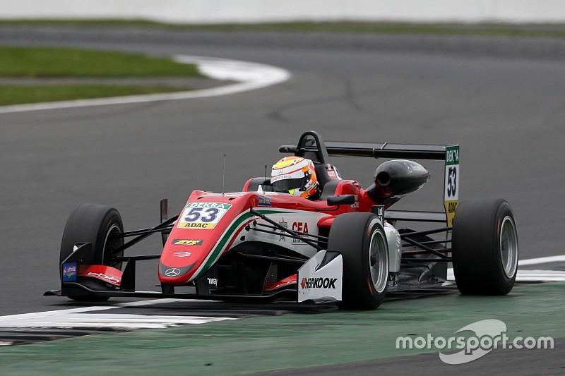 F3 Silverstone: Ilott verslaat Norris en pakt dubbele pole-positie