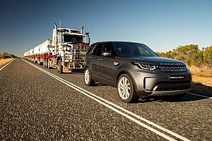 Automotive Noticias de última hora Un Land Rover Discovery arrastra un convoy de 110 toneladas