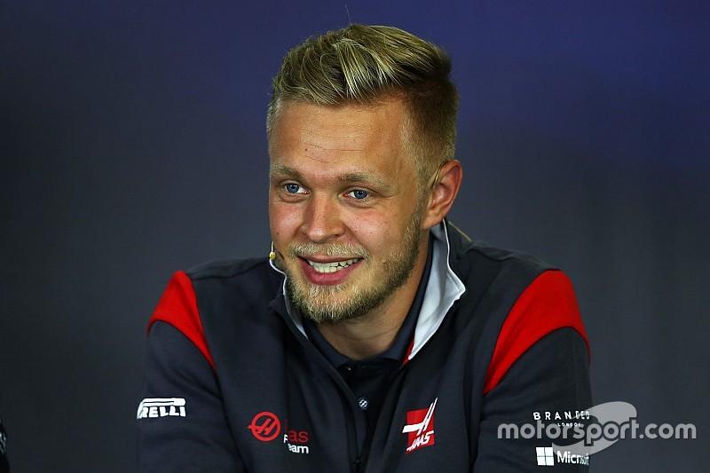 Magnussen: Hamilton sürekli engelliyor