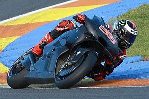 Lorenzo, a un segundo de Márquez tras la primera hora de test