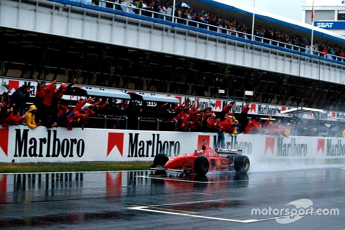 Kijktip van de dag: Machtige Schumacher in zeiknat Spanje
