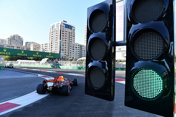 Формула 1 Топ список Галерея: спекотний радіообмін Гран Прі Азербайджану