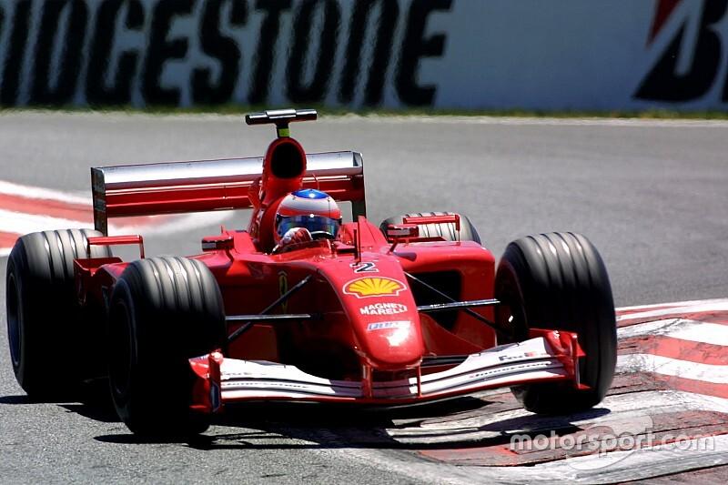 Újra pályán a Ferrari 2001-es F1-es autója: micsoda tempó és hang?!