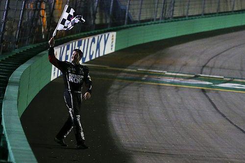 Truex triunfa en Kentucky con una actuación dominante