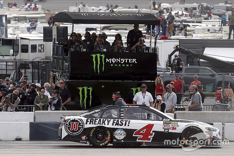"""Victory slips away from Harvick at Atlanta: """"It's my own doing today"""""""